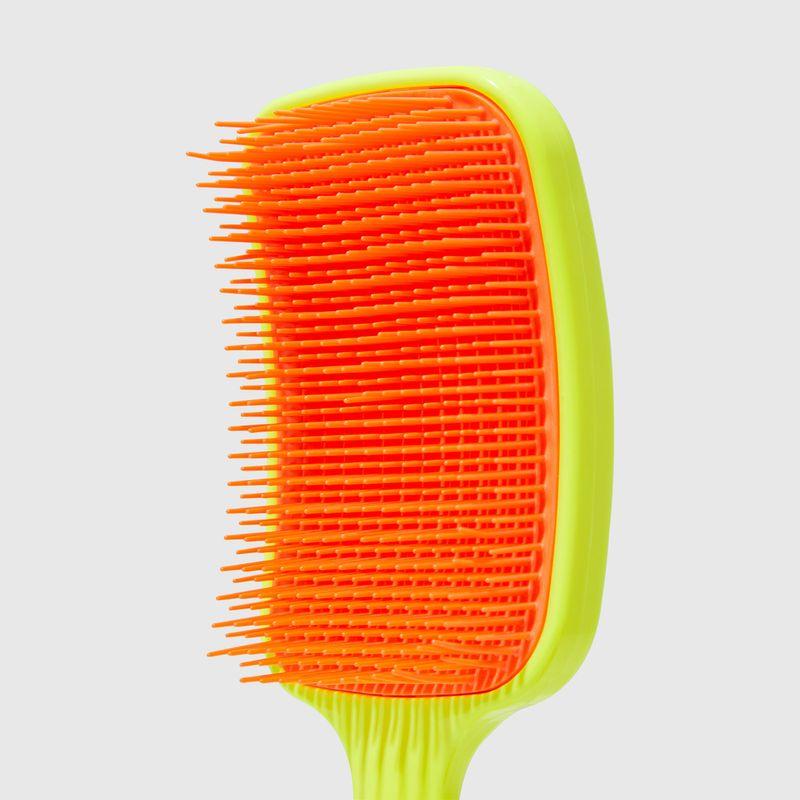 AP2000747CR166_escova_de_cabelo_desembaracadora_amarela_neon_brush_2