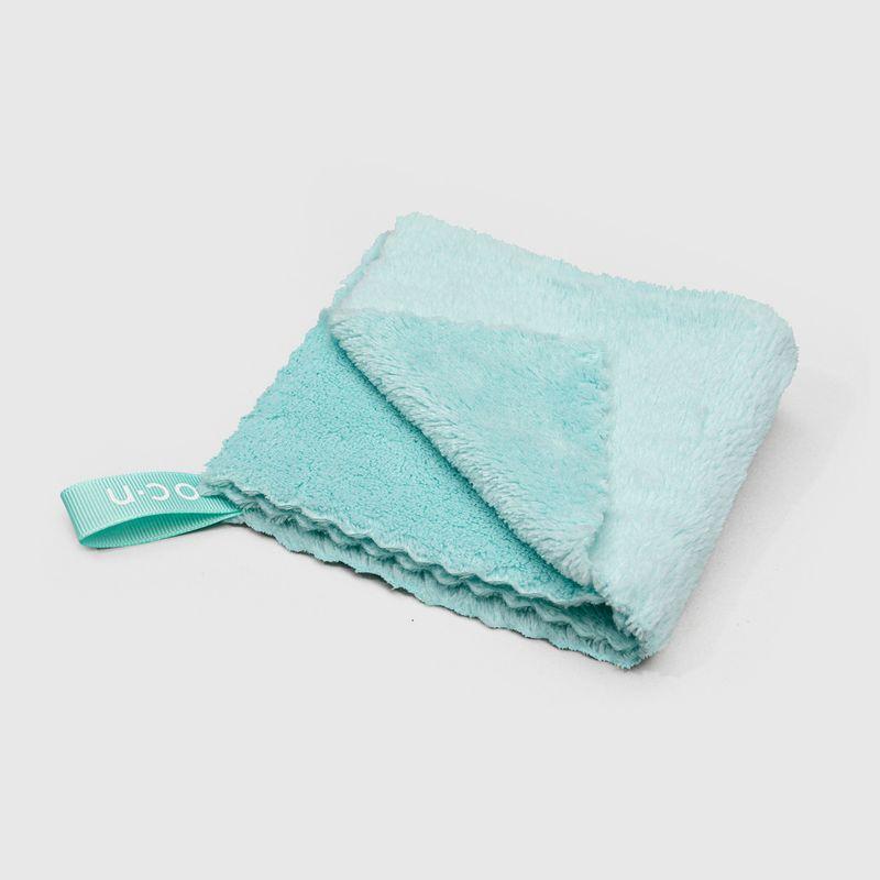 Toalha Para Rosto Face Towel dobrada frente com ponta dobrada