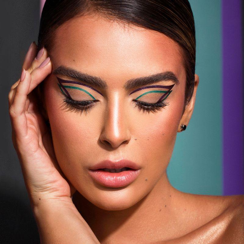 Mariana saad usando Caneta Delineadora de Olhos Violeta Mariana Saad  by océane Eyeliner Real Violet