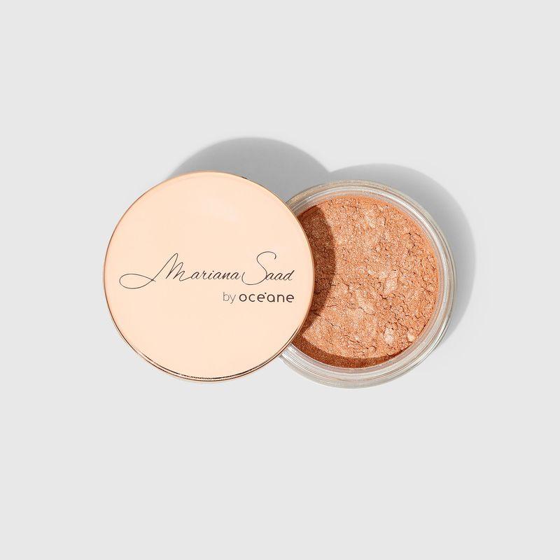 Iluminador Facial Rosa Mariana Saad Skin Shine Rose Gold embalagem aberta tampa externa ao lado esquerdo frente