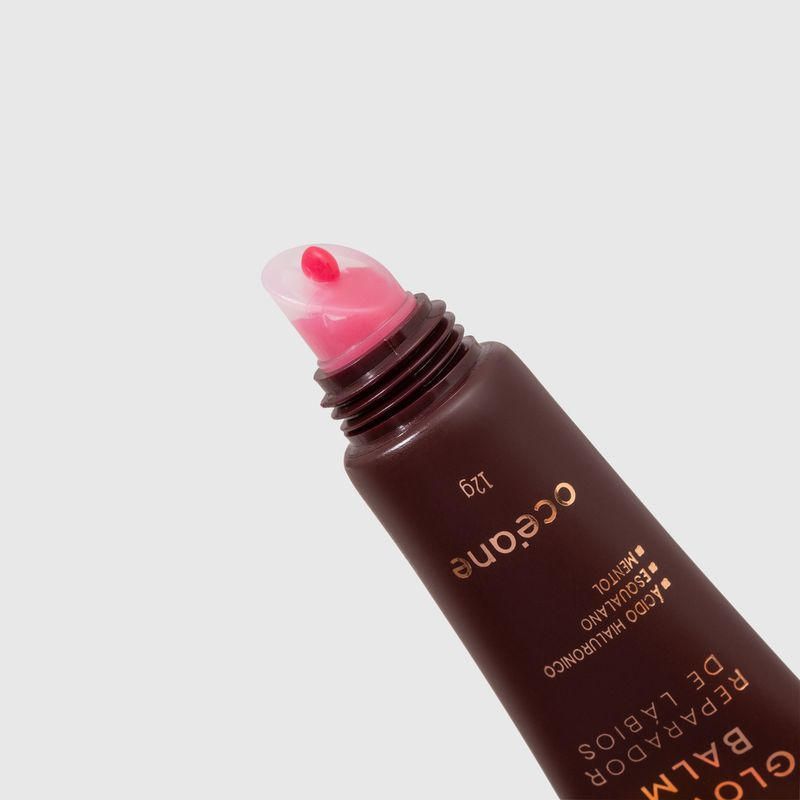 aplicador do produto reparador de lábios mariana saad by océane lip glowy balm