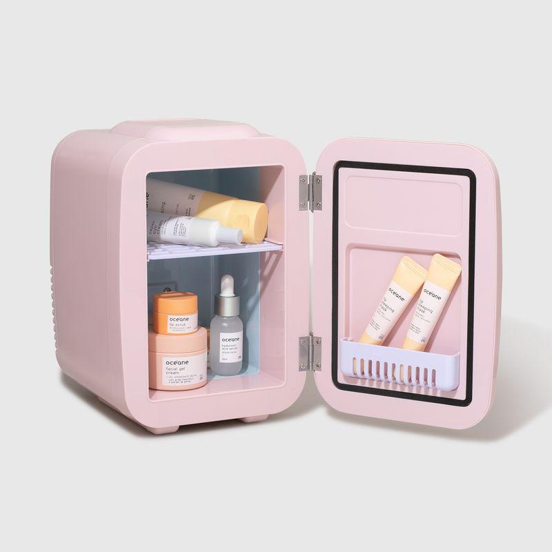 Mini Geladeira Rosa Skincare Fridge 4l aberta lateral