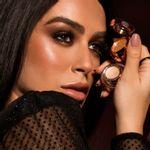 Mariana Saad usando Sombra de olhos dupla godness na cor dourada mariana saad by océane